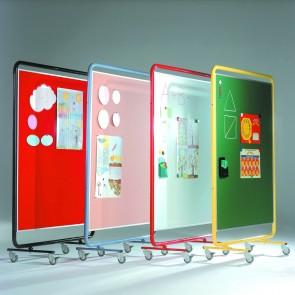Fahrbare Ausstellungswand 120 cm x 150 cm mit weißer Stahlfläche