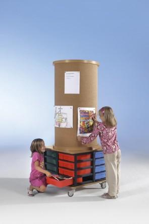 Litfaßsäule & Unterschrank mit 8 hohen Boxen