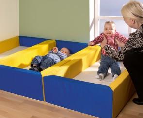 """Kleines stapelbares Kinderbettchen """"Modell Minis"""""""