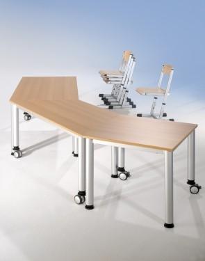 Quadrattisch mit Melaminplatte